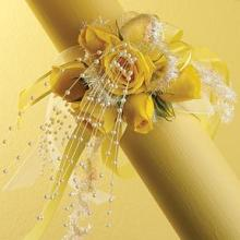 Yellow Spray Rose Wristlet