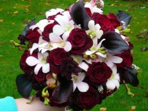 Deep Dark Red to Black toned Bridal Bouquet