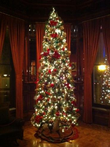2011 Red Christmas Tree