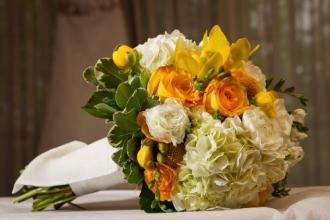 Yellow and White Floral Bouquet2